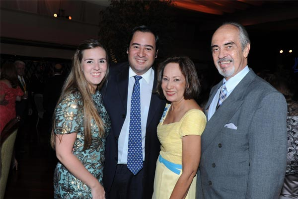 Daniela Medina, José Raúl Yoris, Leticia de Yoris y Pepe Yoris